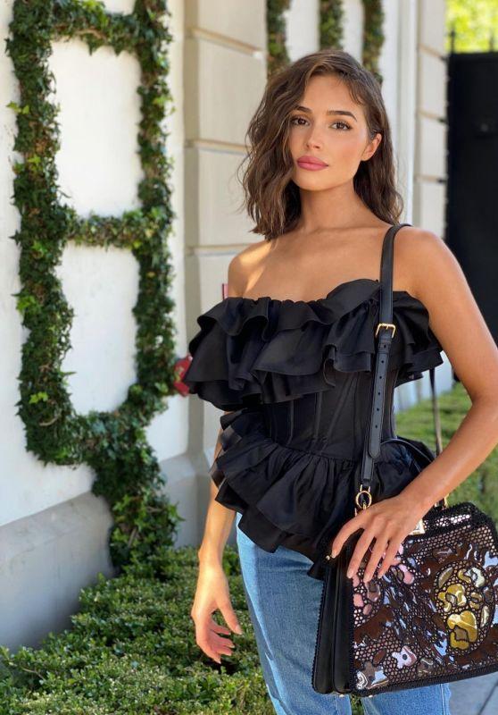 Olivia Culpo Outfit – Instagram 10/14/202