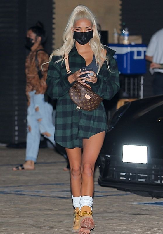 Pia Mia - Leaving Nobu in Malibu 10/19/2020