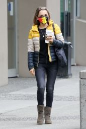 Rachael Leigh Cook Street Style - Vancouver 10/12/2020