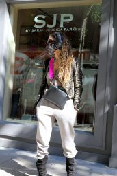 Sarah Jessica Parker Street Style - Visits Her Collection Shoe Store in NY 10/06/2020