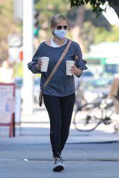 Sarah Michelle Gellar - Blue Bottle Coffee in Brentwood 09/29/2020
