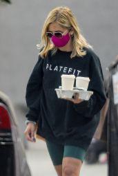 Sarah Michelle Gellar - Picks up Coffee in LA 10/06/2020