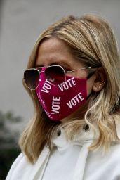 Sarah Michelle Gellar Wears Her VOTE Germ Mask - Brentwood 10/08/2020