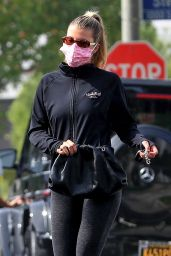 Sofia Richie - Leaving a Yoga Class in West Hollywood 10/21/2020