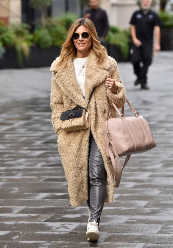 Zoe Hardman - Leaving the Global Studios in London 10/06/2020