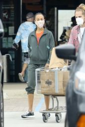Zoe Saldana - Shops for Groceries With Her Husband Marco Perego in Malibu 10/24/2020