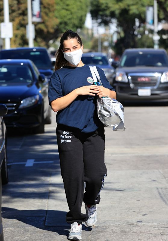 Addison Rae and Bryce Hall - Leaving the Gym 10/31/2020