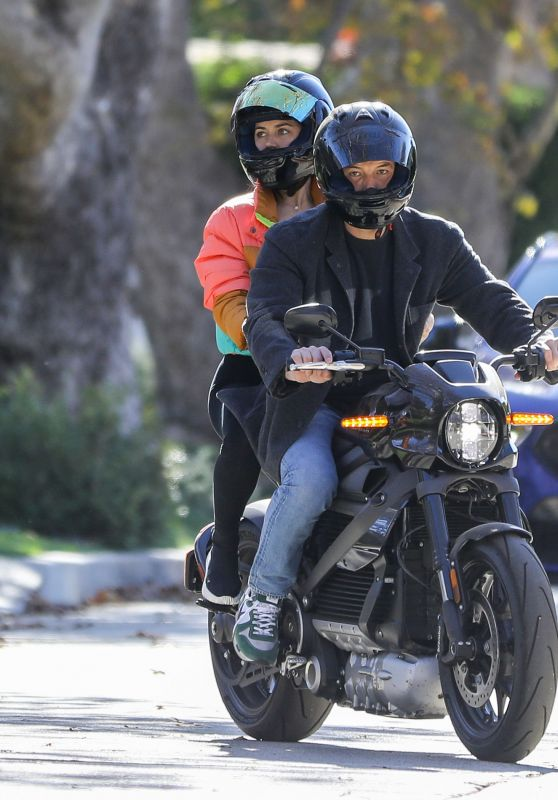Ana De Armas and Ben Affleck - Driving Ben