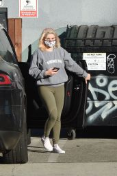 Ariel Winter Street Style - Heads to the Studio in Los Angeles 11/09/2020