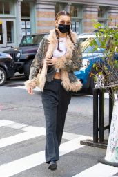 Bella Hadid - Leaving Lunch at Bubby