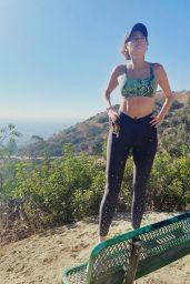 Blanca Blanco in Workout Gear - Hiking in LA 11/14/2020