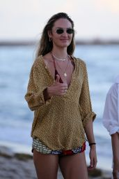 Candice Swanepoel on the Beach in Miami 11/15/2020