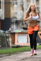 Caprice Bourret - Jog Out in London 11/23/2020