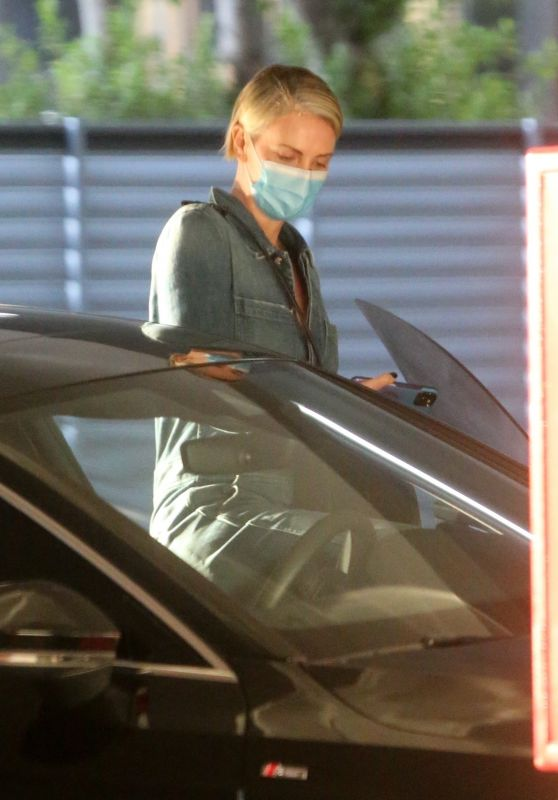 Charlize Theron - Visits the Hospital in LA 11/04/2020