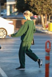 Charlotte McKinney - Out in Santa Monica 11/24/202
