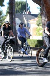 Christina Schwarzenegger, Arnold and Patrick - Bike in Santa Monica 11/28/2020