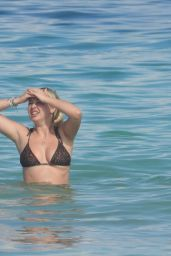 Corinne Olympios - Beach in Mexico 11/16/2020
