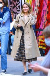 Dianna Agron Street Style - New York 11/10/2020