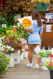 Emily Ratajkowski at the Flower Market in LA 11/06/2020