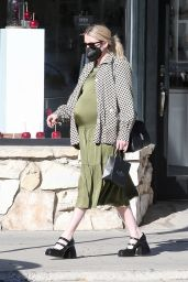 Emma Roberts - Shopping in Los Angeles 11/13/2020