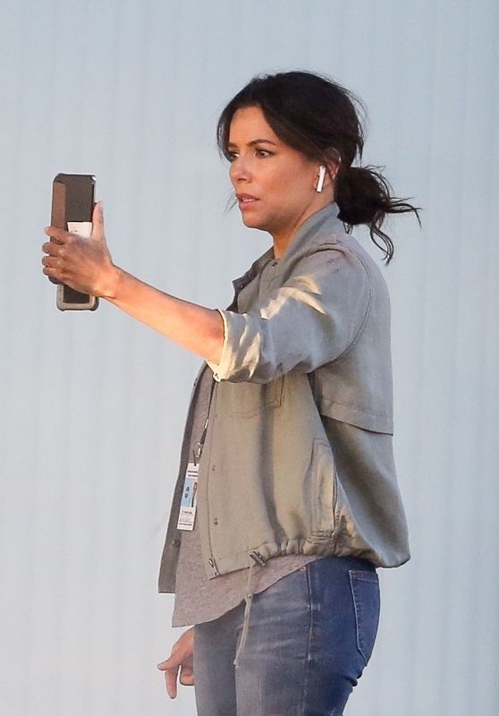 Eva Longoria - Filming Scenes for a New Production in LA 11/22/2020