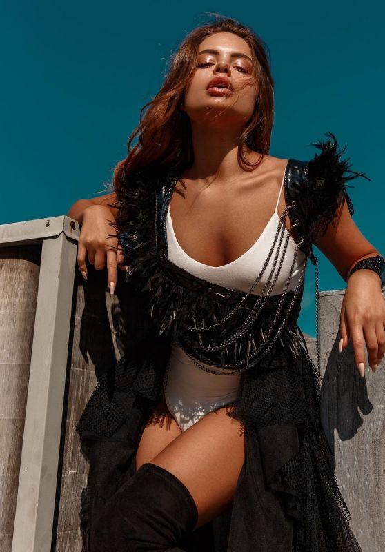 Hannah Kepple - Photoshoot November 2020