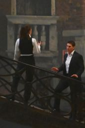 "Hayley Atwell - ""Mission Impossible 7"" Filming on the Bridge Minich in Venice 11/13/2020"