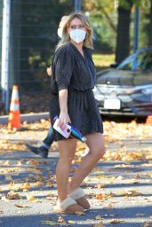 """Hilary Duff - """"Younger"""" Set in NYC 11/10/2020"""