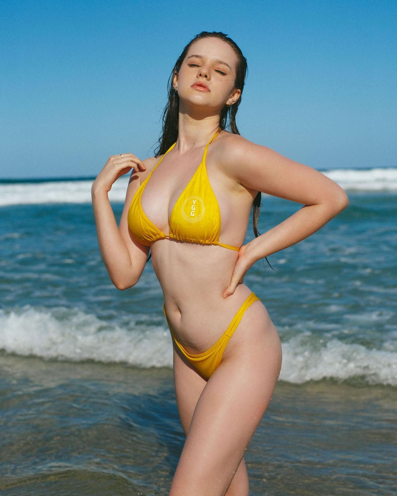 Isabella Ardley bikini photoshoot