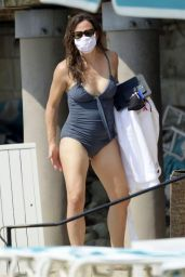 Jennifer Garner at the Beach in Malibu 11/02/2020