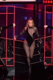 Jennifer Lopez – Performs Live at the American Music Awards 2020 in Los Angeles