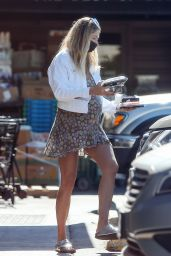 Jessica Hart - Shopping in Los Angeles 11/05/2020