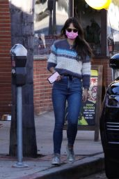 Jordana Brewster at Juice Crafters in Pacific Palisades 11/17/2020