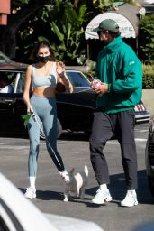 Kaia Gerber in Crop Top and Leggings With Jacob Elordi Out in LA 11/09/2020