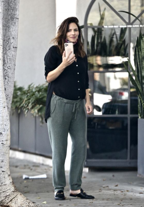 Katharine McPhee - Outside a Hair Salon in LA 11/21/2020