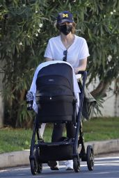 Katherine Schwarzenegger With Mom Maria Shriver in Brentwood 11/15/2020