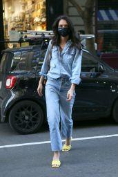 Katie Holmes Street Style - NYC 11/09/2020