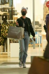 Kelly Osbourne - Shopping at The Grove in Los Angeles 11/10/2020