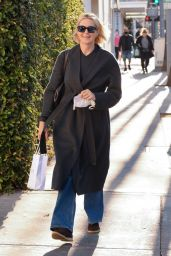 Kelly Rutherford at Porta Via Restaurant in Beverly Hills 11/10/2020