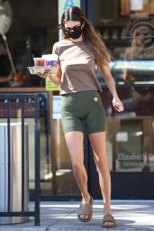 Kendall Jenner in a T-Shirt and Skintight Shorts 10/31/2020