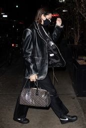 Kendall Jenner - Out in NYC 11/21/2020