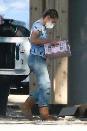 Kristen Bell at Her New House 11/19/2020