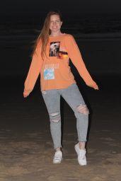 Lauren Ashley - Beach in Los Angeles 11/26/2020