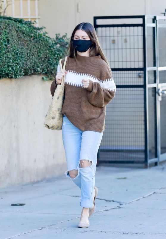 Lauren Parsekian in Casual Outfit 11/29/2020