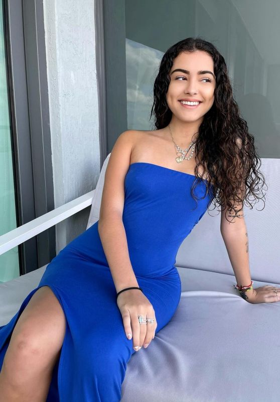 Malu Trevejo Live Stream Video and Photos 11/20/2020