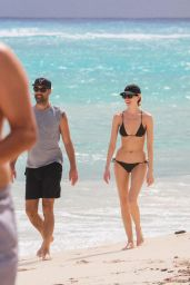 Martha Hunt in a Black Bikini on the Beach in Tulum 11/07/2020