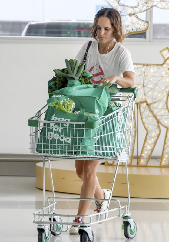 Natalie Portman - Shopping in Sydney 11/16/2020