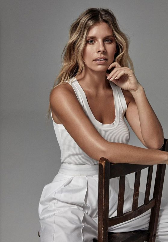 Natasha Oakley - Photoshoot September 2020