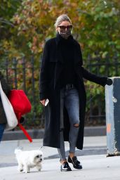 Olivia Palermo in Ripped Jeans - NYC 11/11/2020