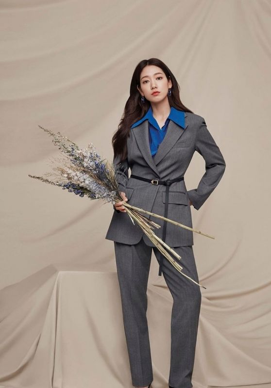 Park Shin Hye - MOJO.S.PHINE Fall 2020 Collection